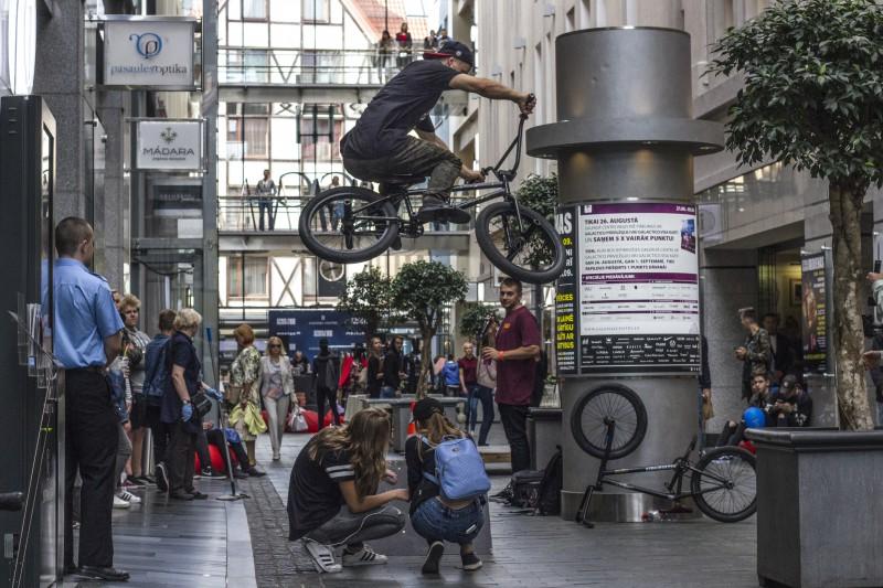 Street Fashion ballītē Rīdzenes ielā uzstāsies Baltijas spožākie BMX frīstaila talanti