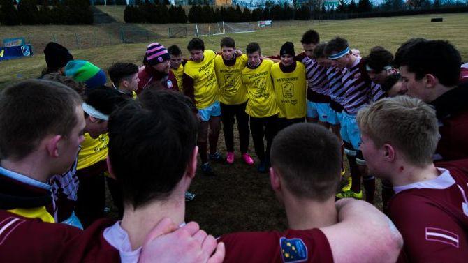 """Latvijas U18 regbija izlase izkrīt no Eiropas čempionāta """"Trophy"""" divīzijas"""
