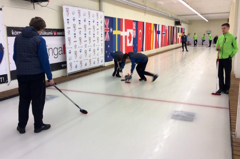 Junioru komandas noslēgušas Latvijas čempionāta pirmo dienu