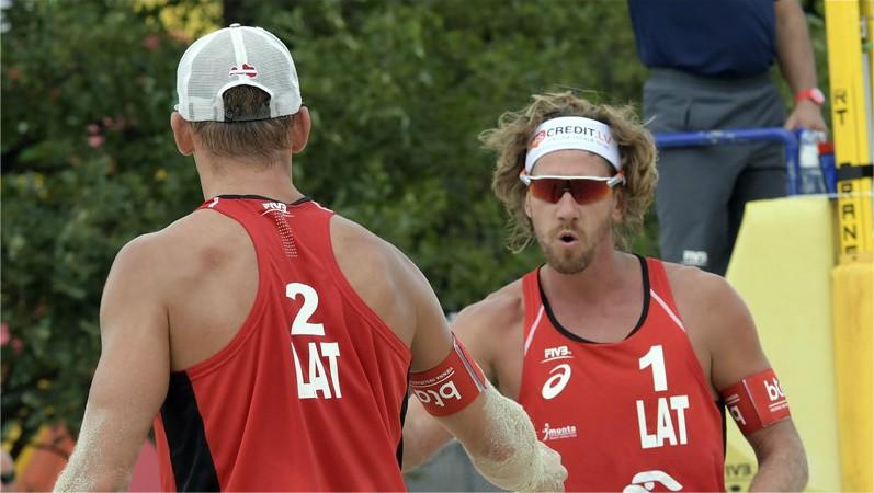 Samoilovs un Šmēdiņš sasniedz Espinju turnīra ceturtdaļfinālu