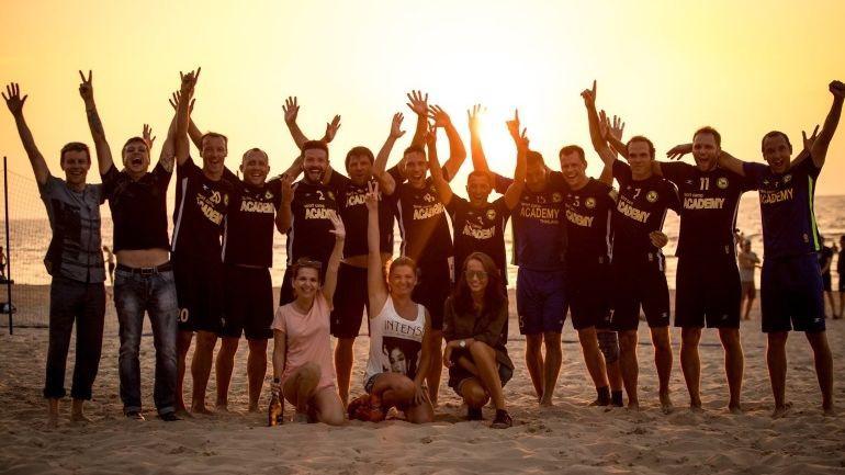 """Liepājas """"Linden City BSC"""" triumfē Latvijas čempionātā pludmales futbolā"""