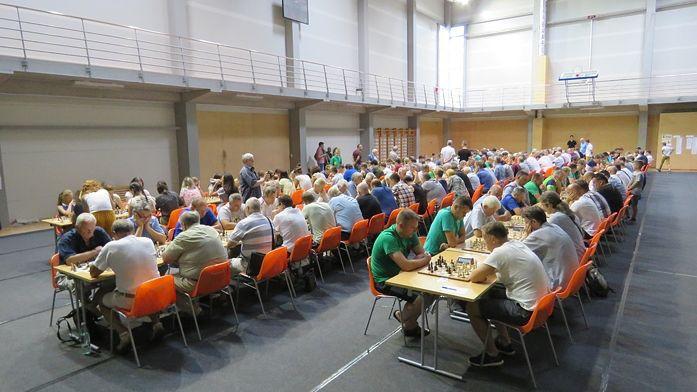 Latvijas šahisti pārliecinoši uzvar Lietuvu 100 galdiņu cīņā