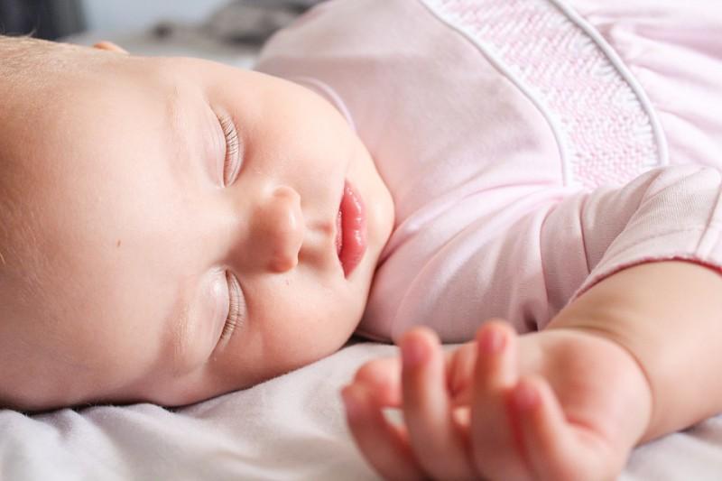 Diāna Zande aicina uz bezmaksas lekciju par bērna miegu un midzināšanu