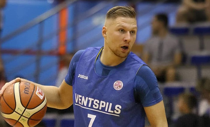"""Jakovičs spēlēs Itālijas komandā """"Varese"""""""
