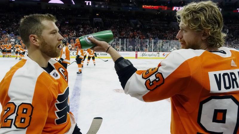 """Vorāčeks gūst piecus punktus """"Flyers"""" uzvarā pār """"Senators"""""""