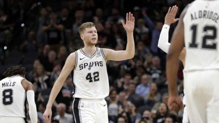 """Bertāns pamatsastāvā vēl vienā saspringtā """"Spurs"""" uzvarā pār """"Lakers"""""""