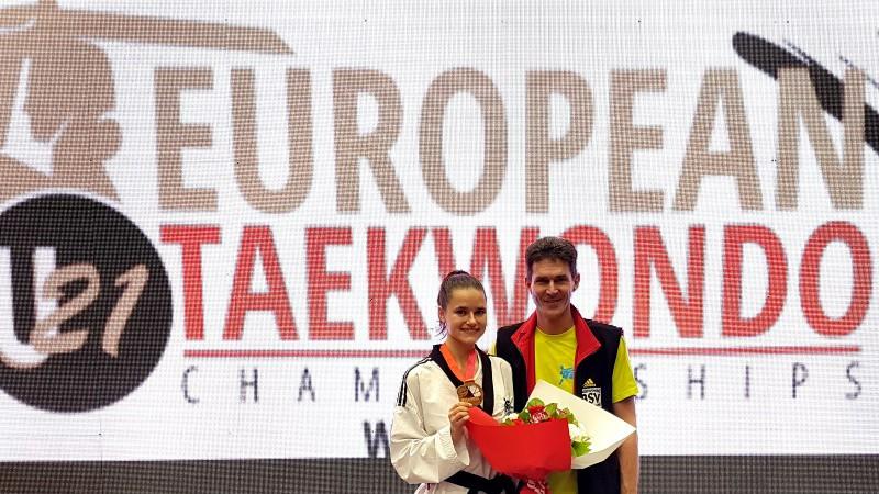 Inese Tarvida satriec pasaules čempioni un iegūst U21 EČ zeltu