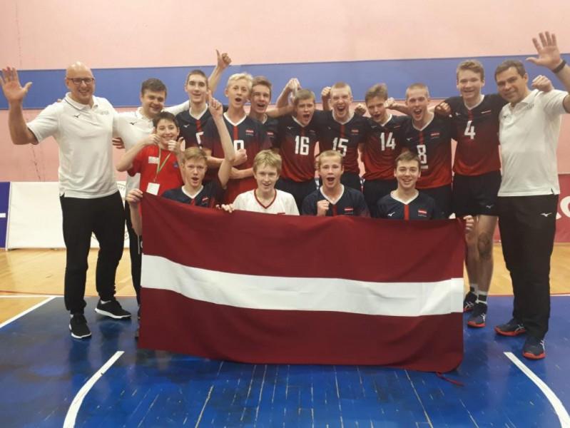 EEVZA čempionātu ar uzvaru pār Igauniju beidz Latvijas U-15 izlases volejbolisti
