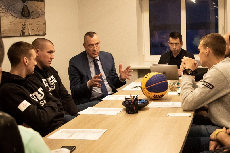 Miezis, Lasmanis, Čavars un Krūmiņš oficiāli iekļauti Latvijas Olimpiskajā vienībā