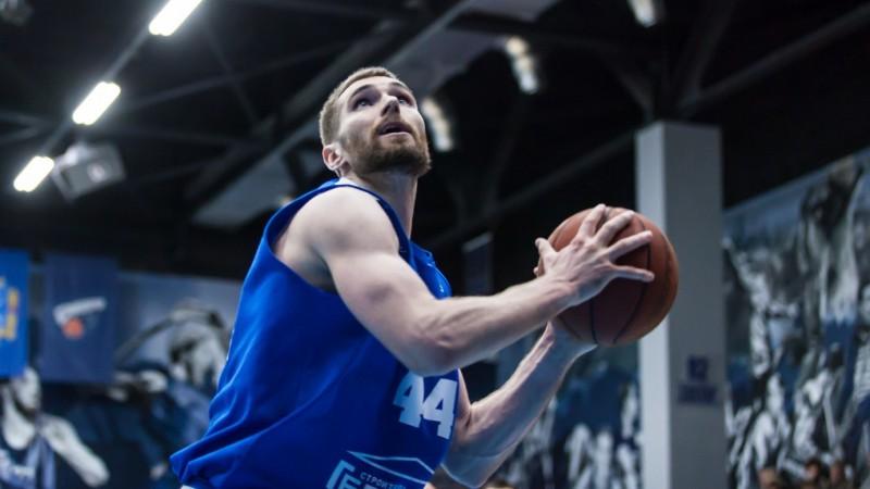 Helmanis un Šeļakovs ar neveiksmi noslēdz sezonu Ukrainas Superlīgā