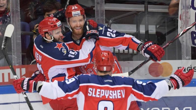 """Grigorenko """"hat-trick"""" ļauj CSKA pārspēt Hārtlija """"Avangard"""" fināla pirmajā mačā"""