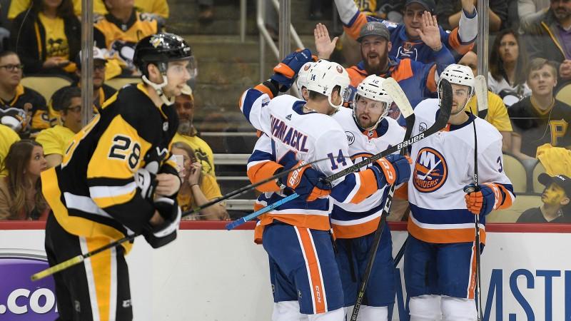 """""""Islanders"""" paņem slotu un aizslauka bez Bļugera spēlējošo """"Penguins"""""""