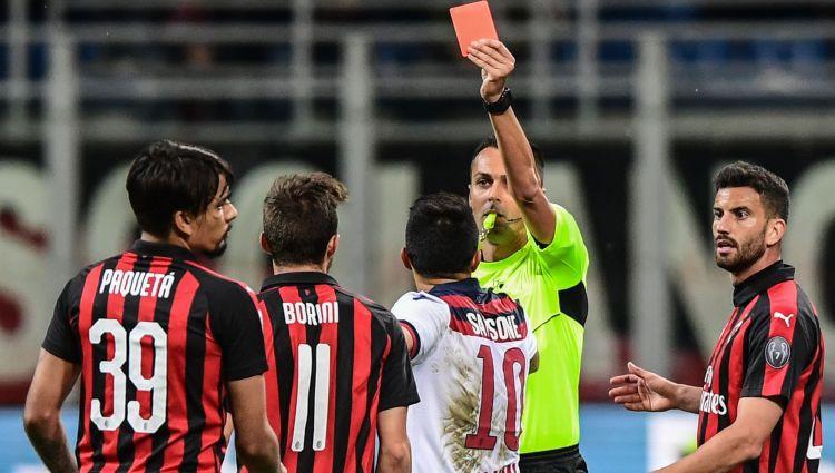"""""""Milan"""" problēmas: trenera lamāšana un diskvalifikācija par sitienu tiesnesim"""
