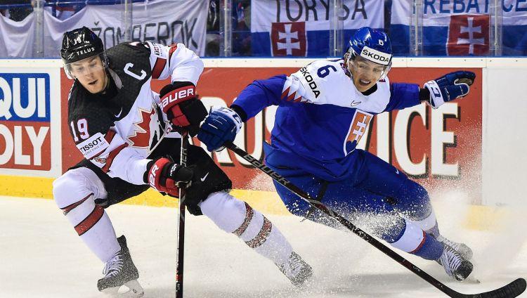 """Slovākijas hokejists: """"Mūsu līdzjutēji nedrīkst uzvesties kā pērtiķu bars"""""""