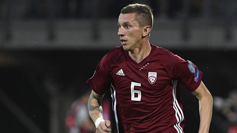 Bez gaismas tuneļa galā: Latvijas izlasei pazemojošs 0:5 pret slovēņiem