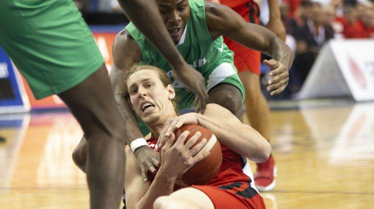 Kanādas izlase paliek bez vēl viena NBA spēlētāja – Olinikam trauma