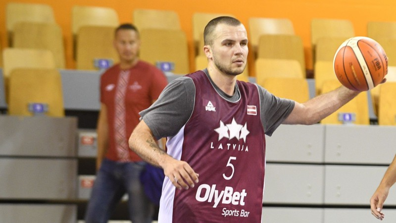 Karjeru noslēdzis Latvijas izlasi Pasaules kausa kvalifikācijā pārstāvējušais Lejasmeiers