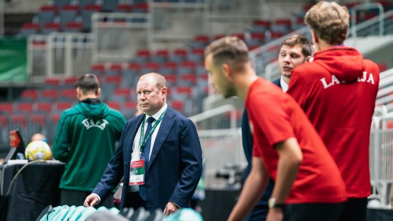 """Šketovs: """"Krievijas U19 pieveica Uzbekistānas pieaugušo izlasi. Tāds, lūk, šeit līmenis"""""""