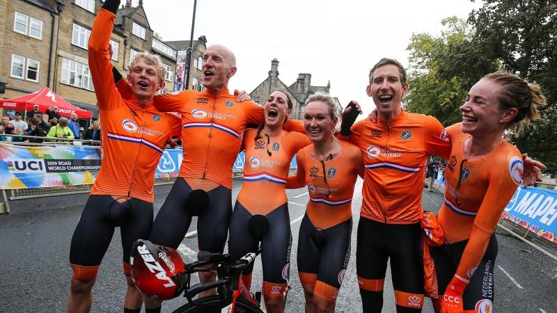 Nīderlande kļūst par pirmo pasaules čempioni riteņbraukšanas jauktajā stafetē