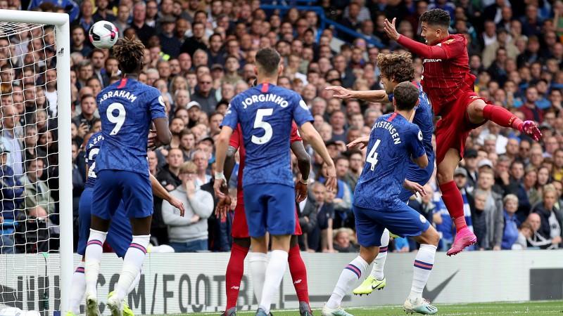 """""""Liverpool"""" divreiz rezultatīvi izspēlē standartus un uzvar """"Chelsea"""""""