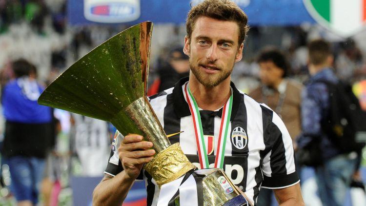 "Ceļgala traumas dēļ karjerai punktu liek ilggadējais ""Juventus"" pussargs Markīzio"