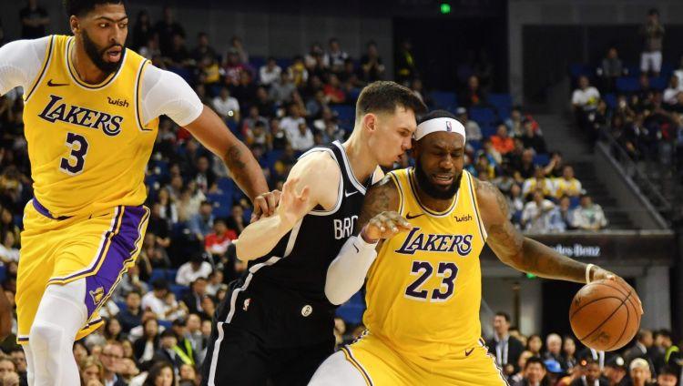 """Kurucam starptautiska skandāla apvītajā mačā Ķīnā 10+8 un uzvara pār """"Lakers"""""""