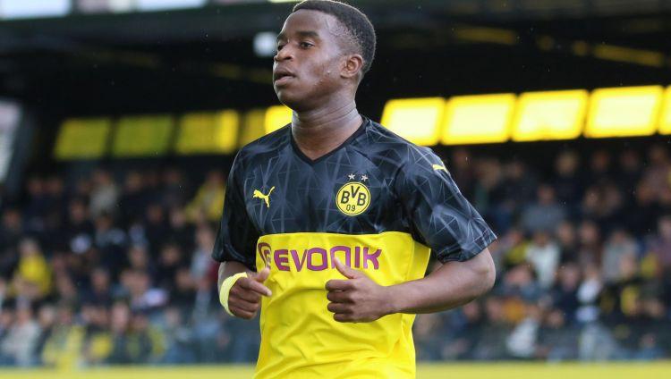 Dortmundes brīnumbērns Mukoko kļūst par jaunāko vārtu guvēju UEFA Jaunatnes līgā