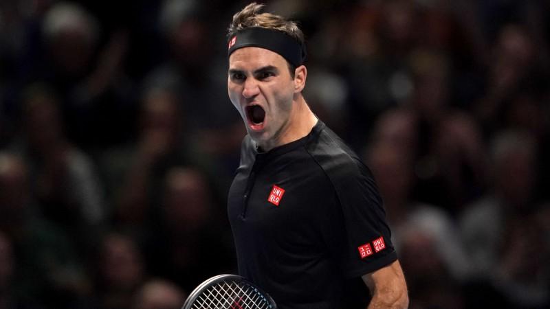 Federers cīņā par finālturnīra pusfinālu pirmoreiz kopš 2015. gada uzvar Džokoviču