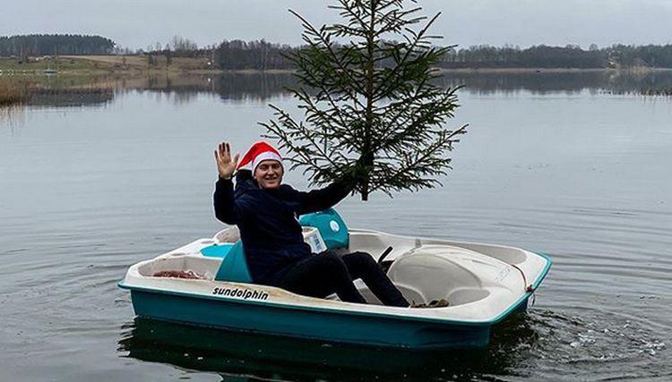 Kā uz paplātes: Latvijas sporta personības sveic Ziemassvētkos