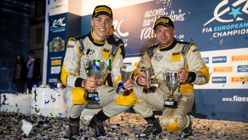 Sesks/Francis apvienojas, lai sasniegtu TOP3 Pasaules Junioru čempionātā 2020.gada sezonā