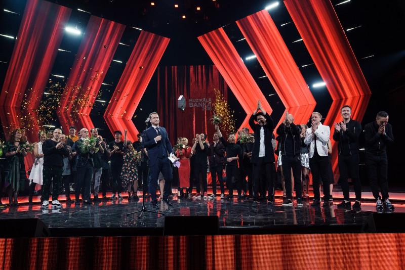 """Zināmas 15 dziesmas, kas """"Muzikālās Bankas""""  finālšovā  sacentīsies par gada vērtīgākās dziesmas titulu"""