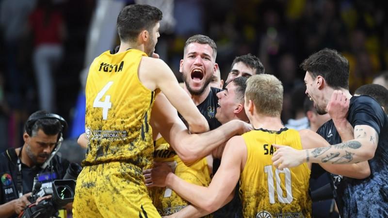 """""""VEF Rīga"""" pretiniece """"Iberostar Tenerife"""" triumfē FIBA Starpkontinentālajā kausā"""