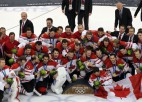 Foto: Kanādas hokejisti izcīna zelta godalgas