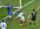 Uzmainītie spēlētāji izrauj Anglijai uzvaru pār Velsu