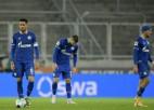''Schalke'' neveiksmes turpinās: divām personām atklāts Covid-19