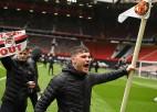 Divas stundas pirms spēles fani iebrūk <i>Old Trafford</i> stadionā