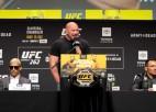 Čendlers vai Oliveira – kurš ieņems Habiba atstāto UFC čempiona troni?