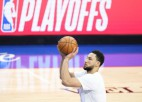 Simonsa aģents un ''76ers'' pārrunājuši basketbolista nākotni, maiņu vēl neizskata
