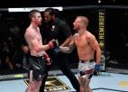 Bijušais UFC čempions Dilašovs pēc ilgas prombūtnes atgriežas ar uzvaru