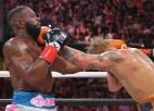 Interneta slavenība Džeiks Pols boksa ringā uzvar arī bijušo UFC čempionu Vudliju