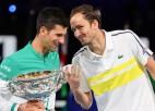 Starp Džokoviču un tenisa vēsturi stāv vairs tikai Medvedevs