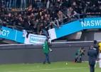 Video: Uzvarētāju fanu lēkāšanas dēļ sabrūk tribīne