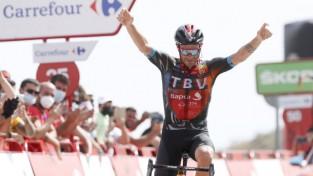 """Karūzo vienatnē svin uzvaru """"Vuelta a Espana"""" devītajā posmā"""