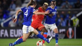 """""""Napoli"""" izglābjas pret Lesteru, Ezils iesit pret Frankfurti"""