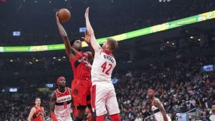 """Bertāns un """"Wizards"""" NBA sezonu sāk ar drošu uzvaru Toronto"""