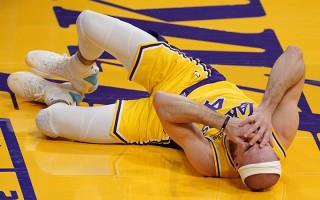 """""""Lakers"""" aizsargs Karuso zālītes dēļ nonāk aiz restēm"""