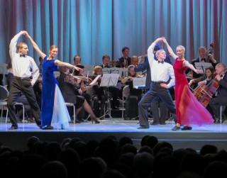 """Saeimā iesniegts Operetes fonda kolektīvais iesniegums """"Atjaunosim operetes teātri Latvijā"""""""