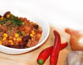 Chili con carne –  pikantais pupiņu un gaļas sautējums
