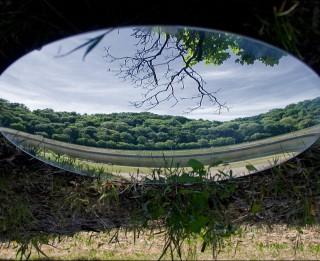 Spoguļa noslēpumainais spēks. Vai Aizspogulija ir reāla pasaule? 2.daļa