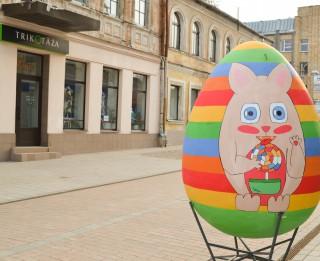 Daugavpilī Rīgas ielā tapusi Lieldienu olu galerija